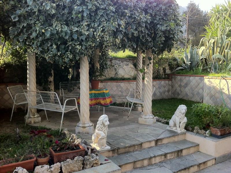 Villa nella collina vista mare Case e Arte – Agenzia Immobiliare ...