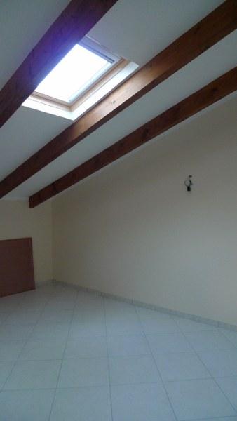 Trilocale ristrutturato case e arte agenzia immobiliare for Case con 3 camere da letto con cantina in affitto