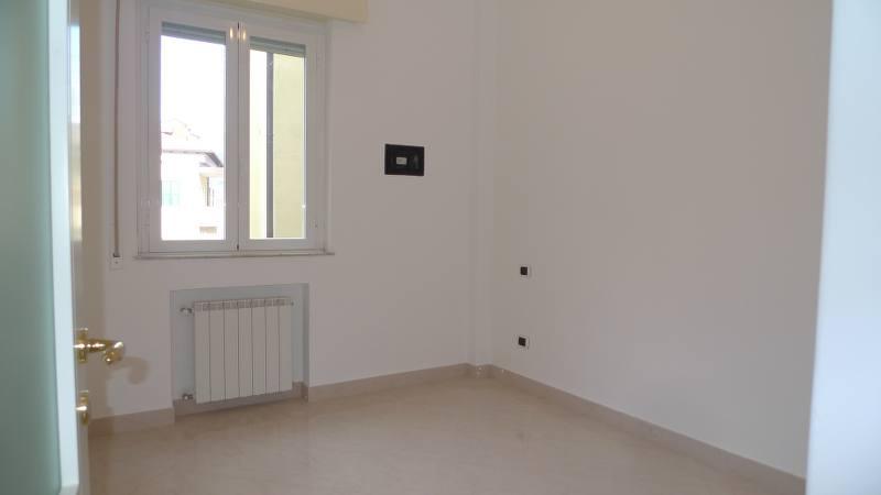 Trilocale ristrutturato con terrazzo vista mare Case e Arte – Agenzia Immobiliare ad Alassio