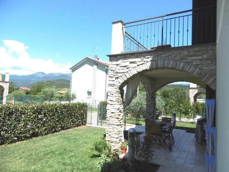 Villetta indipendente di nuova costruzione case e arte - Case con giardino in affitto ...